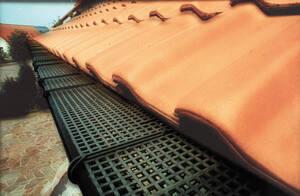 Gitter aus Kunststoff zum Dachrinnenschutz Länge 3000 mm Westfalia