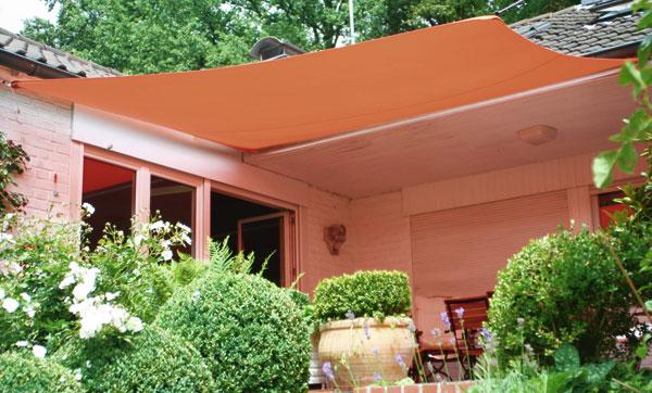 viereck sonnensegel die alternative zum sonnenschirm und der markise in verschiedenen farben. Black Bedroom Furniture Sets. Home Design Ideas